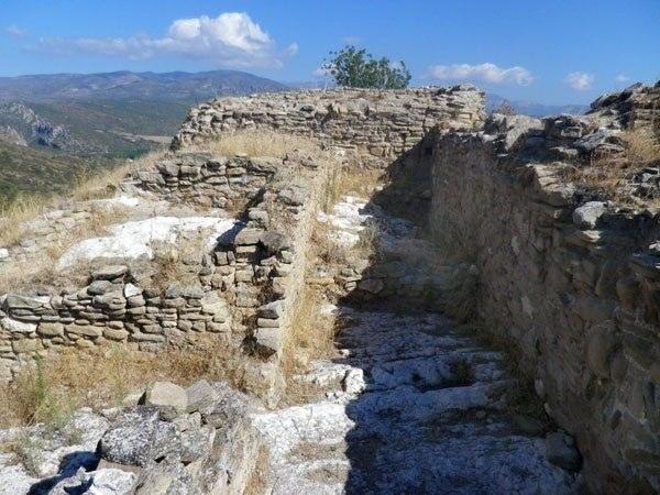 Castell de Malagastre – Artesa de Segre.jpg